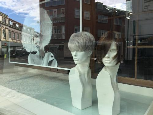 UniQue.M - udstilling vinduer