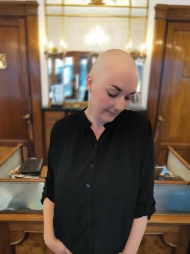 Smuk - både med & uden paryk. Parykken er en accessories for Susanne. Ny dag nyt hår og type.